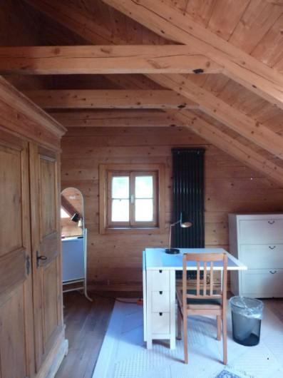 Möbli.Zimmer in Bio-Holzhaus ab 1.3.2021 zu verm.