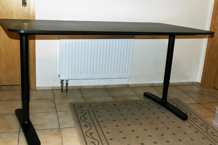 Neuwertige Büromöbel IKEA