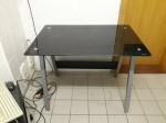 Schreibtisch m.schwarzer Glasplatte Maße B100xT70