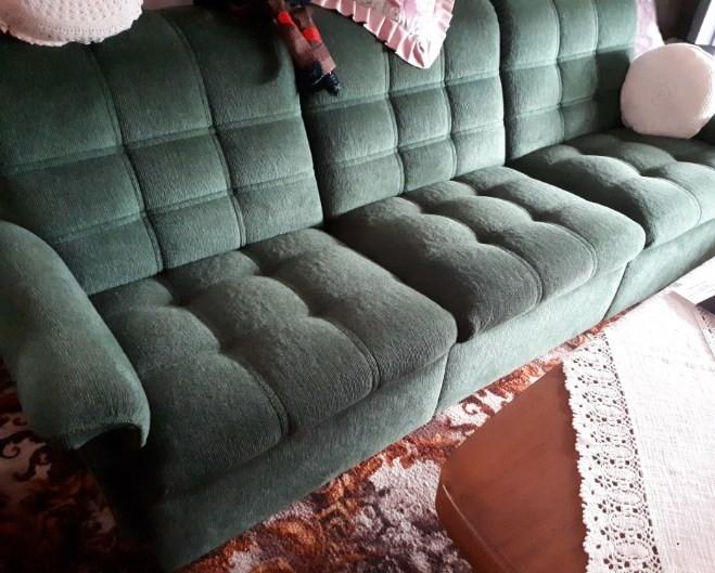 Sitzgarnitur, Sofa und zwei Sessel, top