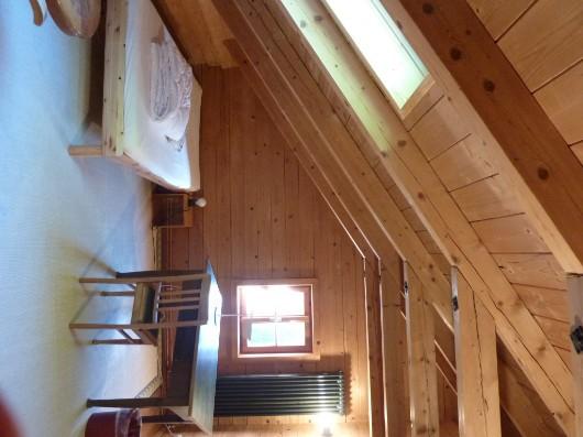 Möbl. Zimmer in Bio-Holzhaus ab 1.4.2020 zu verm.