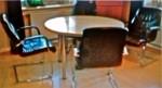 5 Konferenzstühle /Leder/Chrom/ Freischwinger