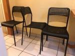 3 schwarze IKEA Stühle