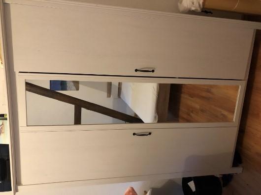 Kleiderschrank inklusive Spiegeltür