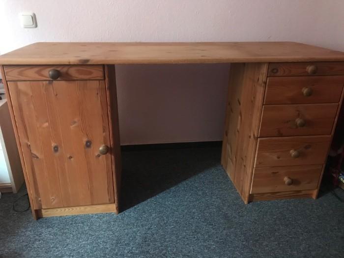 Schreibtisch aus Echtholz zu verkaufen