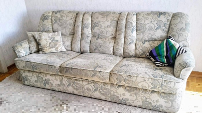 Schlafcouch mit Sessel 10 €