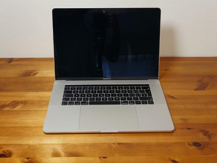 Apple MacBook Pro (15 Zoll, 2019), Core i9, 2,3 GH