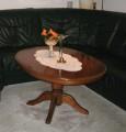 Tisch und Lampe