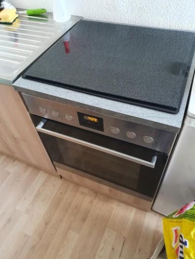Gut erhaltene Single Küche bis 25.06. abzugeben