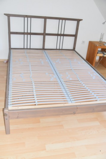 Doppelbett mit einstellb. Rost Ikea Hemnes, 140 cm